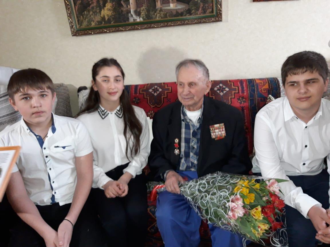 95- летний юбилей отмечает участник Великой Отечественной войны Гофман Борис Григорьевич