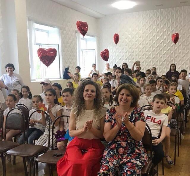 """С 3 июня на базе МКОУ """"Гимназия №17"""" работает пришкольный оздоровительный лагерь """"Солнышко""""."""