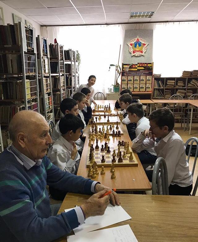 28 января 2019 года в МКОУ «Гимназия №17» был проведён шахматный турнир, приуроченный к месячнику оборонно-массовой и спортивной работы под руководством   учителя истории  Лепшокова Х.А.